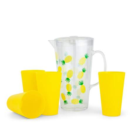 Mugge og 4 glass ananas